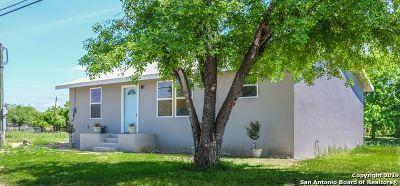 Atascosa County Single Family Home For Sale: 640 Avenue J