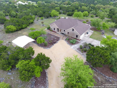 Boerne Single Family Home For Sale: 405 Red Oak Dr