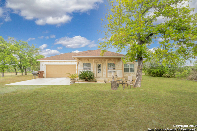Atascosa County Single Family Home For Sale: 15 Eaglerock