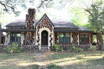 Atascosa County Single Family Home Active Option: 114 Haverlah Rd