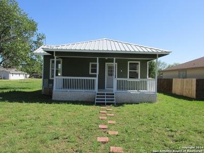 Hondo Single Family Home Price Change: 1709 16th St