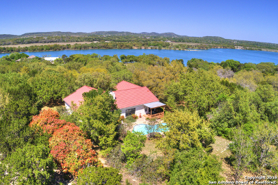 Boerne Single Family Home Active Option: 172 Lake Front Dr