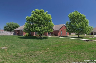 Seguin Single Family Home Active Option: 1418 Prairie Pointe