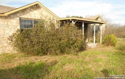 Uvalde Single Family Home Active Option: 1884 W Us Highway 90