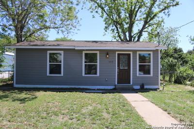 Atascosa County Single Family Home New: 505 Avenue E