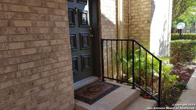 Condo/Townhouse Active Option: 11843 Braesview #1003
