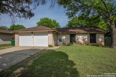 Single Family Home Active Option: 5842 Cliff Walk Dr