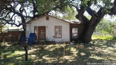 Pleasanton Single Family Home For Sale: 814 Bowen St