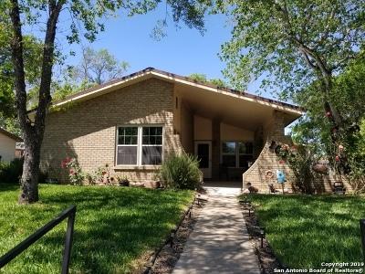 Atascosa County Single Family Home New: 1010 Maia St