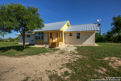 San Marcos Single Family Home For Sale: 850 Foster Ln