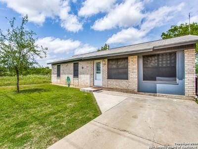 Jourdanton Single Family Home Price Change: 1101 Willow St