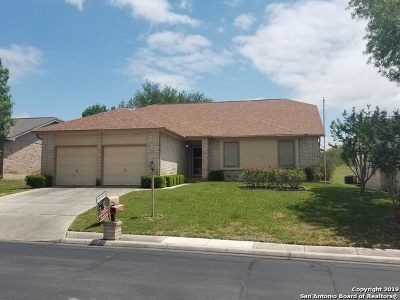 Schertz Single Family Home For Sale: 3704 Scenic Dr