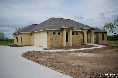 La Vernia Single Family Home Active Option: 113 Colibro Creek Dr