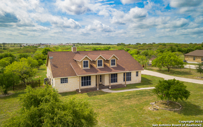 Schertz Single Family Home For Sale: 7006 Robin Hood Way