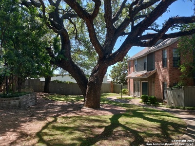 San Antonio Condo/Townhouse Active Option: 33 Chapel Hill Circle #33