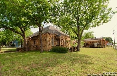 Atascosa County Single Family Home Active Option: 15148 Main