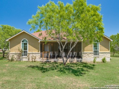 Atascosa County Single Family Home Active RFR: 445 Country View Dr