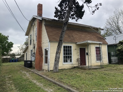 San Antonio Multi Family Home Back on Market: 826 Schley Ave