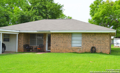 Jourdanton Single Family Home Active Option: 803 Olive St