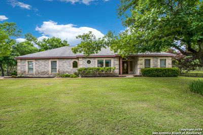 Floresville Single Family Home For Sale: 169 Oak Fields Dr