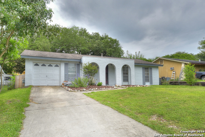 Live Oak Single Family Home For Sale: 7305 Leading Oaks St