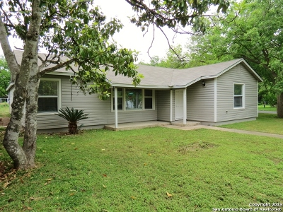 Seguin Single Family Home Active Option: 451 Moore St