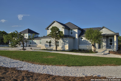 Canyon Lake Single Family Home For Sale: 110 Flat Creek
