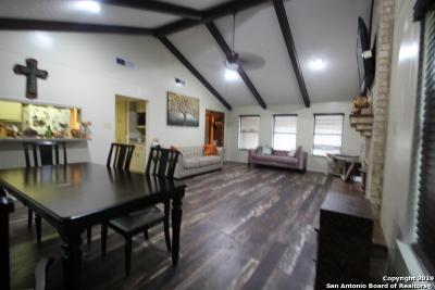 Wilson County Single Family Home For Sale: 242 Bluebonnet Ln