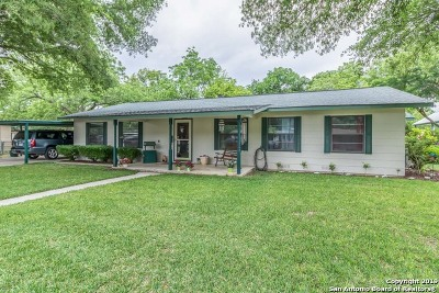 Schertz Single Family Home For Sale: 605 Aviation Ave