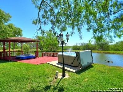 Atascosa County Single Family Home For Sale: 330 Mills Ranch Rd