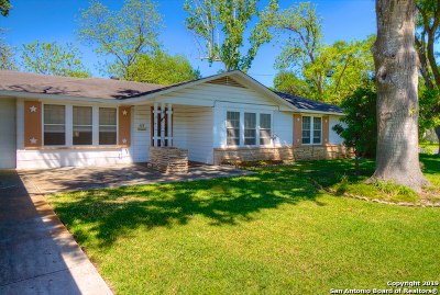Seguin Single Family Home Price Change: 622 E College St
