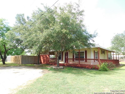 Jourdanton Single Family Home Active Option: 1103 Brown Ave