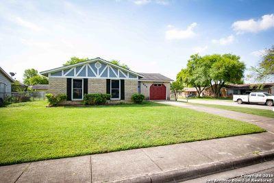 Schertz Single Family Home Active Option: 200 Beverly Dr