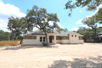 La Vernia Single Family Home Active Option: 131 Cibolo Ridge Dr