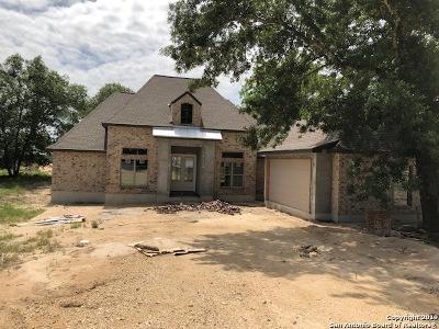 Floresville Single Family Home For Sale: 140 E Ashton Blvd