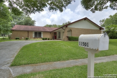Live Oak Single Family Home Active Option: 11501 Lone Shadow Trail