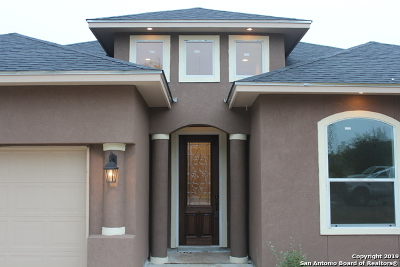 Blanco Single Family Home For Sale: 407 S Calvin Barrett