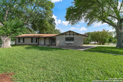 Universal City Single Family Home Active Option: 610 Cordoba Dr