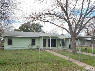 San Antonio Single Family Home Active Option: 711 Yellow Wood Dr