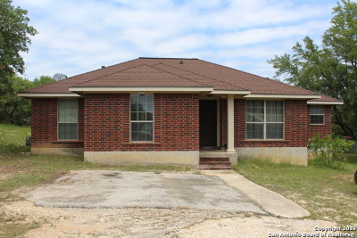 Lakehills TX Single Family Home Active Option: $200,000