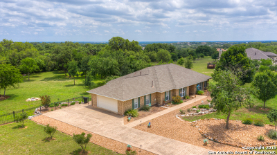 New Braunfels Single Family Home Active Option: 2240 Deer Run Ridge