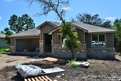 Canyon Lake Single Family Home For Sale: 1283 Marlys Ave