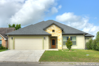 Seguin Single Family Home Active Option: 120 Greenway Dr