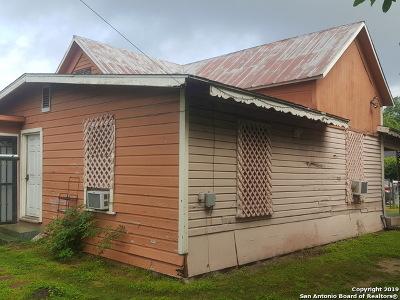 San Antonio Multi Family Home Back on Market: 1406 W Travis St