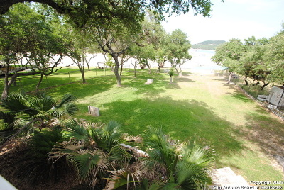 Pipe Creek TX Single Family Home New: $390,000