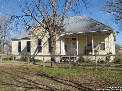 Hondo Single Family Home New: 977 County Road 441