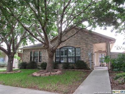 Seguin Single Family Home For Sale: 673 Royal Sage Dr
