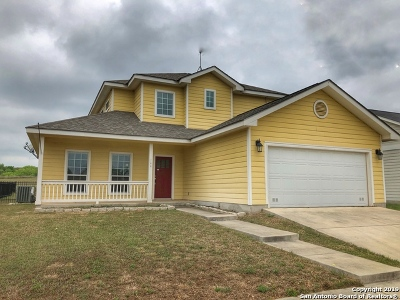 Floresville Single Family Home For Sale: 144 Lark Hill Rd
