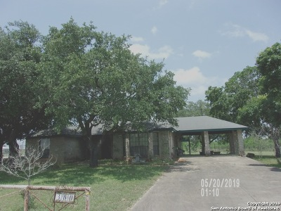 Poteet Single Family Home For Sale: 380 Amphion Rd
