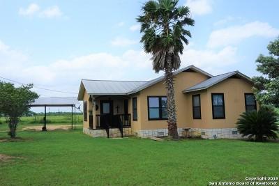 Atascosa County Single Family Home New: 630 Fm 1333